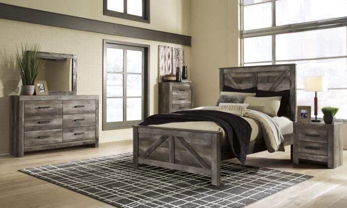 Wynnlow Gray Queen Crossbuck Panel Bed w/Dressser and Mirror,In-Store Product