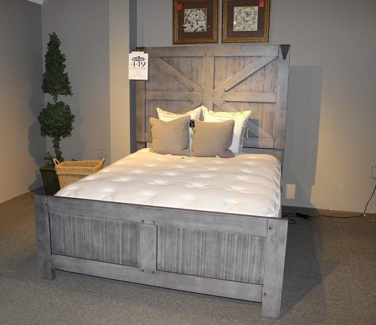 Clearance - Old Forge Queen Bed by United ,OBO