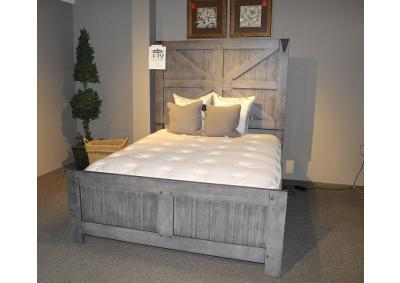Clearance - Old Forge Queen Bed by United